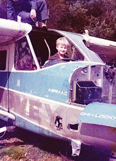 Wilbert als Kind im Flugzeug